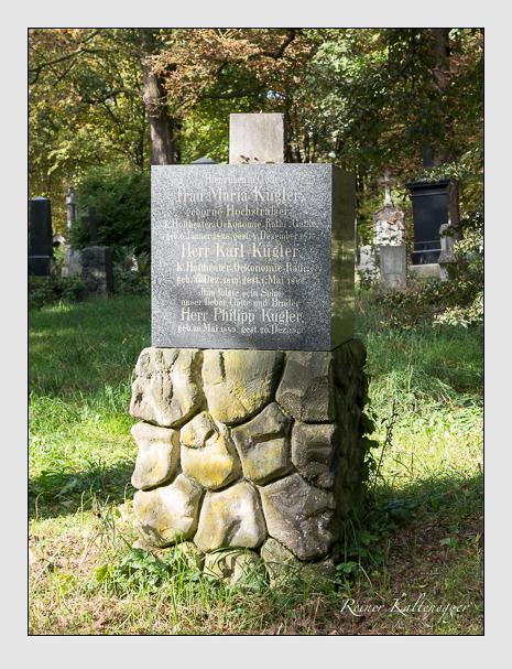 Grab der Familie Kugler auf dem Alten Südfriedhof München (Oktober 2014)