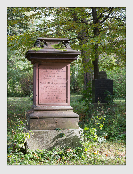 Grab der Familie Hoefl auf dem Alten Südfriedhof München (Oktober 2014)