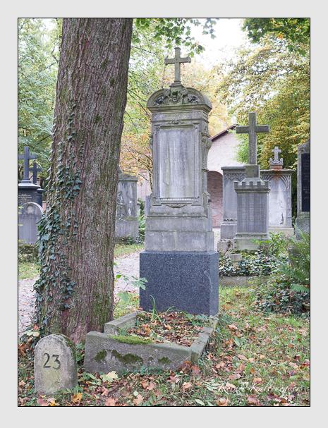 Grab der Familien Brantl · Buchner auf dem Alten Südfriedhof München (Oktober 2014)