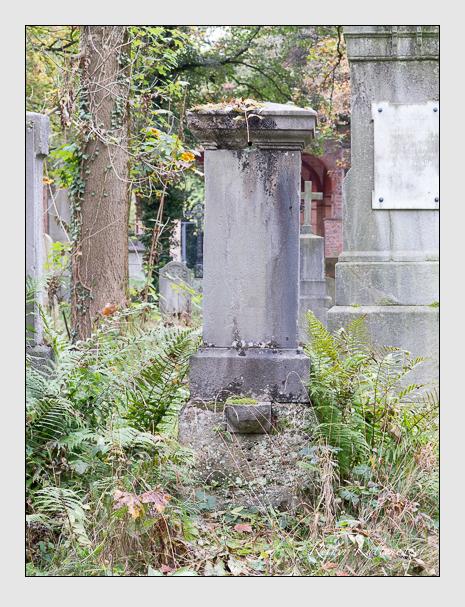 Grab der Familie Zander auf dem Alten Südfriedhof München (Oktober 2014)