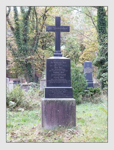 Grab der Familie Ihrl auf dem Alten Südfriedhof München (Oktober 2014)