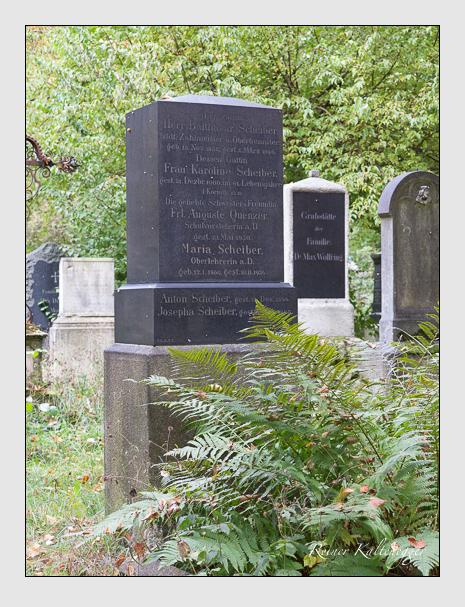 Grab der Familien Quenzer · Scheiber auf dem Alten Südfriedhof München (Oktober 2014)
