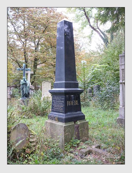 Grab der Familie Röbl auf dem Alten Südfriedhof München (Oktober 2014)