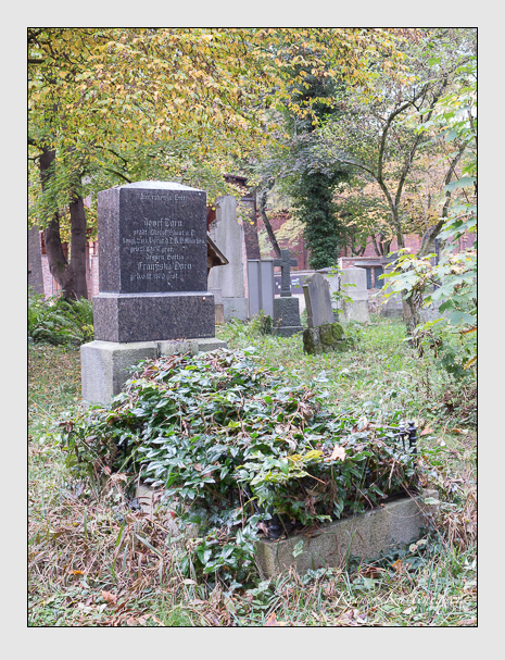 Grab der Familie Dorn auf dem Alten Südfriedhof München (Oktober 2014)