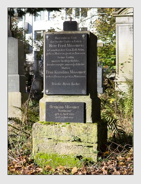 Grab der Familien Mössmer & Schnitzler auf dem Alten Südfriedhof München (November 2014)