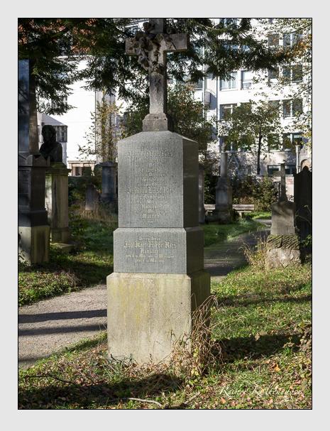 Grab der Familie Ries auf dem Alten Südfriedhof München (November 2014)