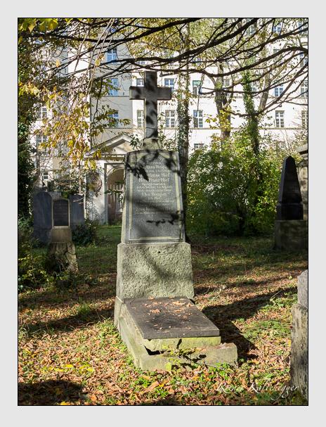 Grab der Familien Herrgott & Hief & Weigand auf dem Alten Südfriedhof München (November 2014)