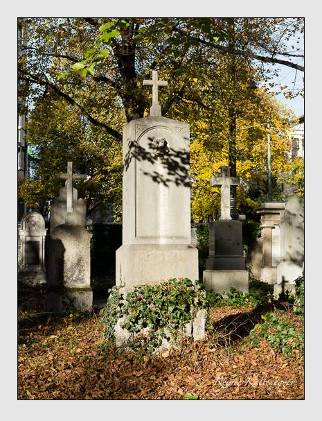 Grab der Familien Held & Riese auf dem Alten Südfriedhof München (November 2014)