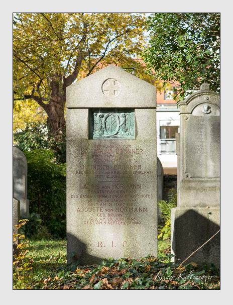 Grab der Familien Brunner & Hörmann auf dem Alten Südfriedhof München (November 2014)