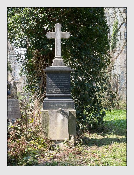 Grab der Familien Meisenbach & Pillmann & Wolf auf dem Alten Südfriedhof München (April 2015)