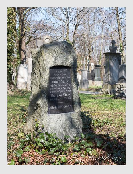 Grab der Familie Stury auf dem Alten Südfriedhof München (April 2015)