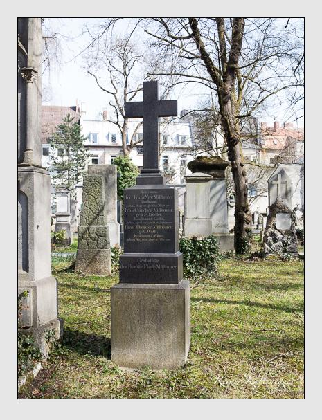 Grab der Familien Flad & Millbauer auf dem Alten Südfriedhof München (April 2015)
