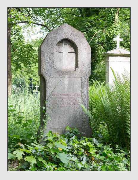 Grab der Familien Huber & Multerer auf dem Alten Südfriedhof München (Mai 2015)