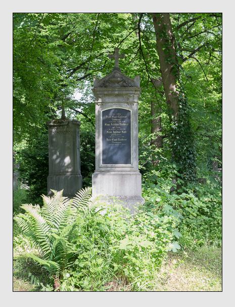 Grab der Familien Hall & Riederer auf dem Alten Südfriedhof München (Mai 2015)
