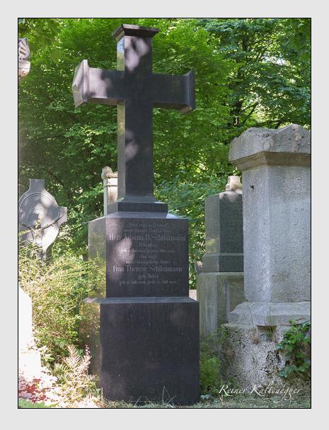 Grab der Familie Schlintmann auf dem Alten Südfriedhof München (Juni 2015)