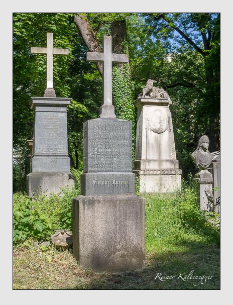 Grab der Familien Bachberger & Knoll & Lorenz & Tonsky auf dem Alten Südfriedhof München (Juni 2015)