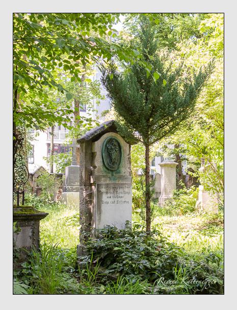 Grab der Familie Lampl auf dem Alten Südfriedhof München (Juni 2015)