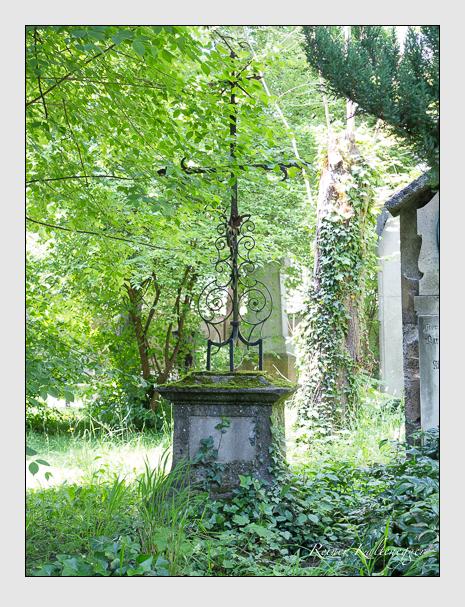 Grab der Familie Bernhart auf dem Alten Südfriedhof München (Juni 2015)