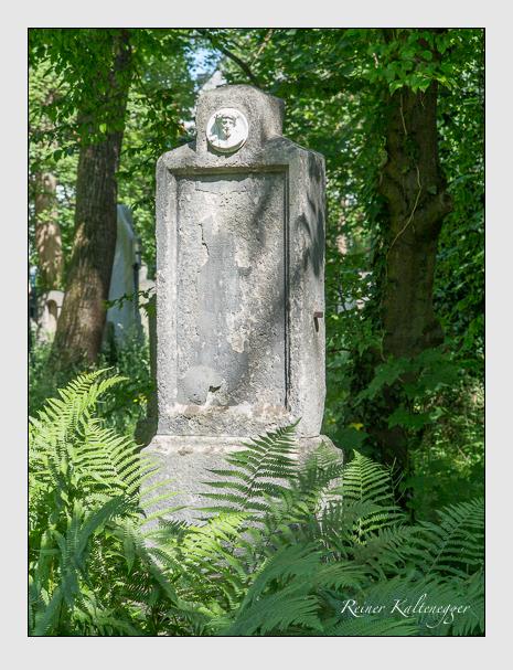 Grab der Familien Moralt & Pellegrini auf dem Alten Südfriedhof München (Juni 2015)