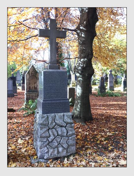 Grab der Familien Hocheneder & Samassa auf dem Alten Südfriedhof München (November 2015)