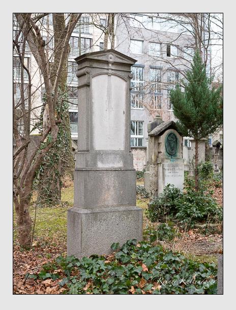Grab der Familie Mayer auf dem Alten Südfriedhof München (Dezember 2015)