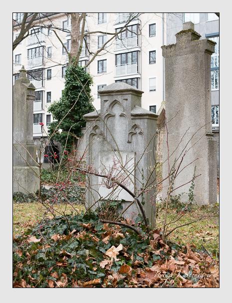 Grab der Familie Niggl auf dem Alten Südfriedhof München (Dezember 2015)