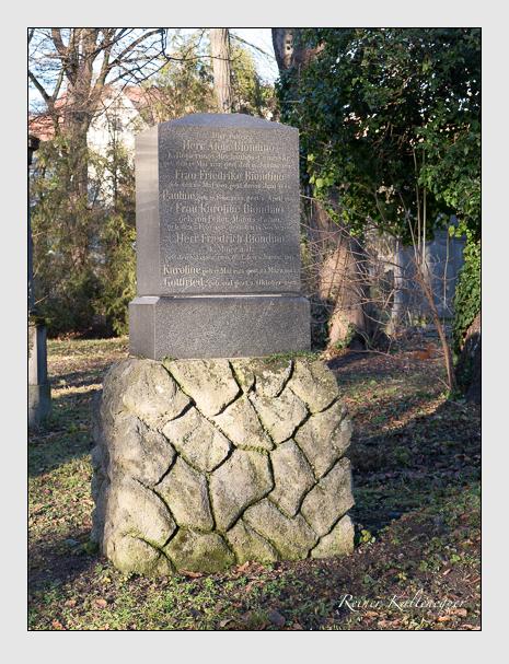 Grab der Familie Biondino auf dem Alten Südfriedhof München (Dezember 2015)