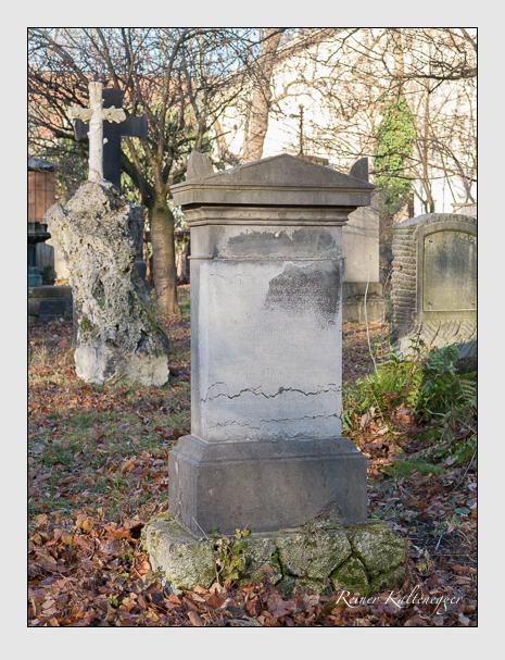 Grab der Familie Beer auf dem Alten Südfriedhof München (Dezember 2015)