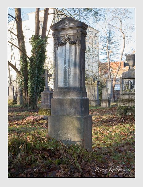 Grab der Familie Kämpfel auf dem Alten Südfriedhof München (Dezember 2015)