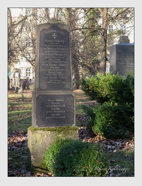 Grab der Familien Kraus & Schörg auf dem Alten Südfriedhof München (Dezember 2015)