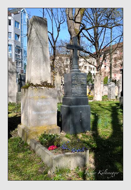 Grab der Familie Zacherl auf dem Alten Südfriedhof München (April 2016)