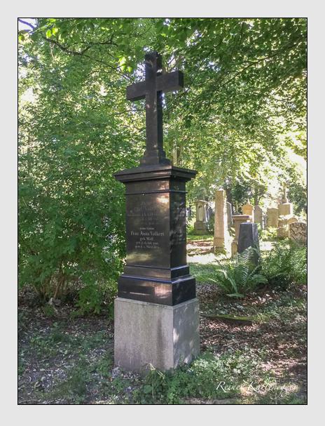 Grab der Familien Kiefhaber & Volkert auf dem Alten Südfriedhof München (Oktober 2016)