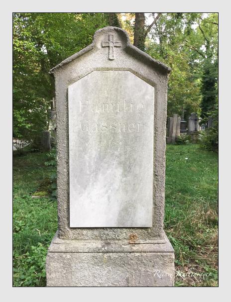 Grab der Familie Gassner auf dem Alten Südfriedhof München (Oktober 2016)