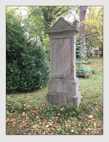 Grab der Familie Schneider auf dem Alten Südfriedhof München (Oktober 2017)