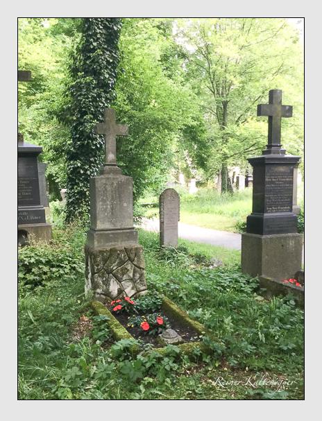 Grab der Familie Auracher auf dem Alten Südfriedhof München (Oktober 2017)