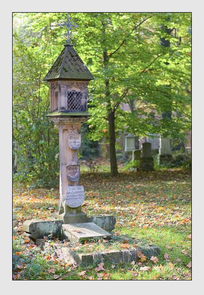 Grab der Familie Hauberrisser auf dem Alten Südfriedhof München (Dezember 2017)