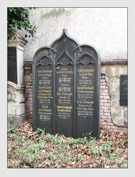 Grab der Familie Badhauser auf dem Alten Südfriedhof München (Dezember 2017)