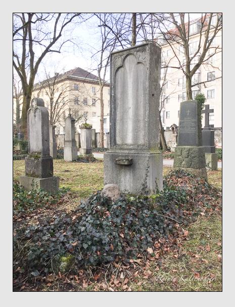 Grab der Familie Lang auf dem Alten Südfriedhof München (Dezember 2017)