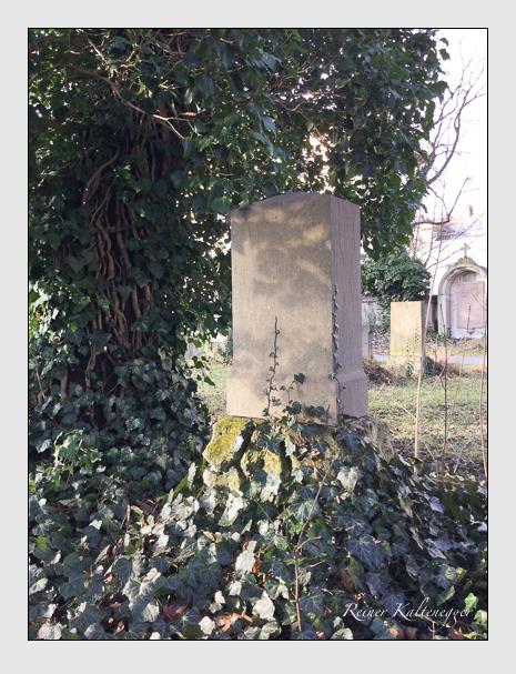 Grab der Familie Stölzl auf dem Alten Südfriedhof München (Dezember 2017)