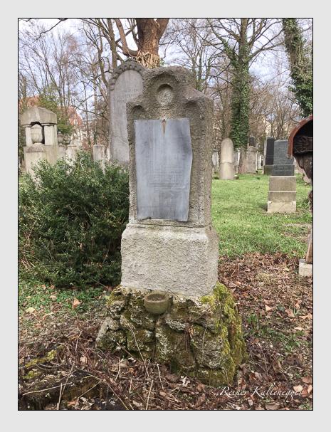Grab der Familie Leigh auf dem Alten Südfriedhof München (April 2018)