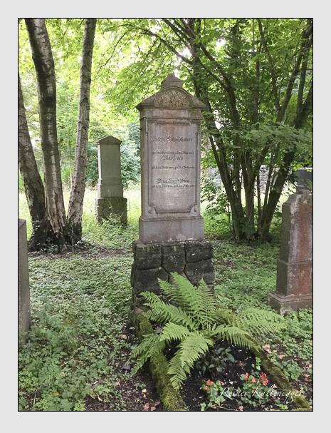 Grab der Familien Dorn & Schmidhamer auf dem Alten Südfriedhof München (Mai 2018)