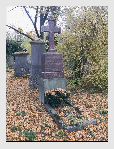 Grab der Familien Löffelholz · Ott · Ottmann auf dem Alten Südfriedhof München (Mai 2018)