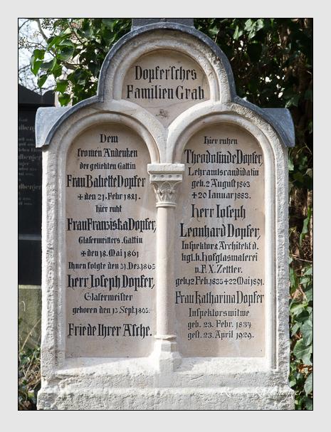 Grab der Familie Dopfer auf dem Alten Südfriedhof München (Februar 2020)