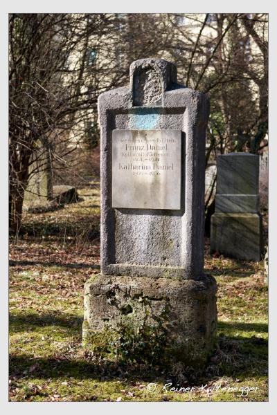 Grab der Familie Daniel auf dem Alten Südfriedhof München (Februar 2021)