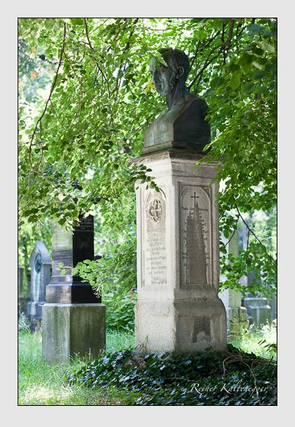 Grab der Familie Seuffert auf dem Alten Südfriedhof München (August 2007)