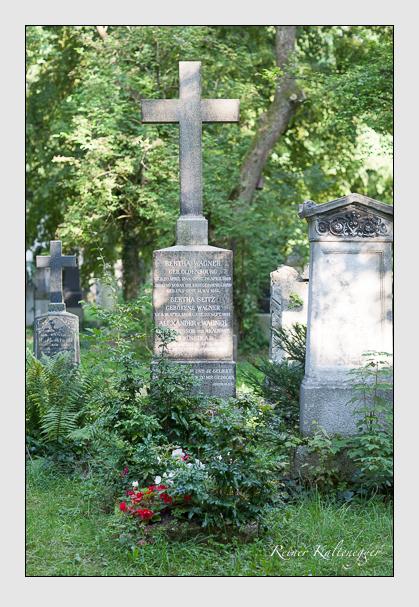 Grab der Familien Seitz & Wagner auf dem Alten Südfriedhof München (August 2007)
