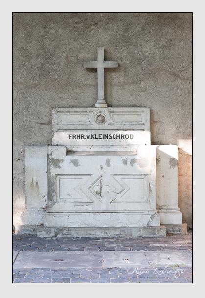 Grab der Familie Kleinschrod auf dem Alten Südfriedhof München (August 2007)