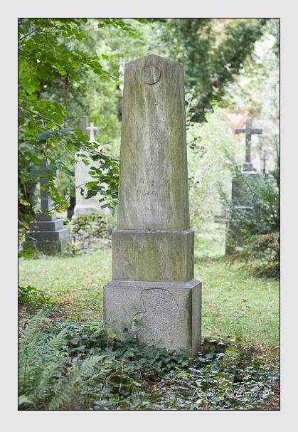 Grab der Familien Schechner-Waagen & Waagen auf dem Alten Südfriedhof München (September 2007)