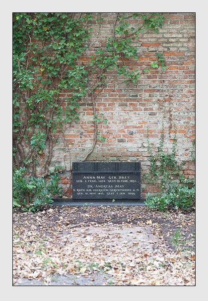 Grab der Familie May auf dem Alten Südfriedhof München (Oktober 2007)