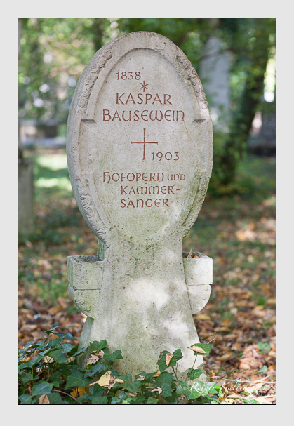 Grab der Familie Bausewein auf dem Alten Südfriedhof München (Oktober 2007)